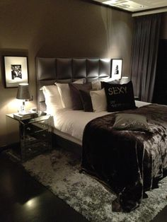 modern luxurious bedroom | dark walls, mixed textures | Eric Kuster