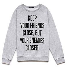 Forever 21 Enemies Closer Graphic Sweatshirt (57.385 COP) ❤ liked on Polyvore featuring tops, hoodies, sweatshirts, sweaters, shirts, jackets, sweatshirt, long sleeve tops, crew neck sweat shirt and graphic crewneck sweatshirts