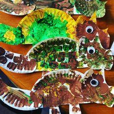 Paper Plate Triceratops (from Miss Nancy's 3's via Instagram: https://www.instagram.com/p/BU3SD65FBvW/?taken-by=miss.nancys.3s)
