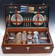 Gieves & Hawkes picnic set