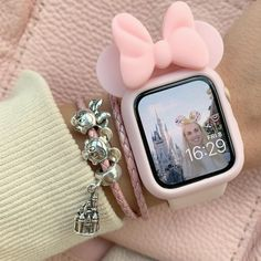 omg Mickey mouse I can't 🌺🌺 I love this Apple watch case it's so cute 🧃.omg Mickey mouse I can't 🌺🌺 I love this Apple watch case it's so cute 🧃 Apple Watch Accessories, Iphone Accessories, Jewelry Accessories, Ring Armband, Apple Watch Fashion, Accessoires Iphone, Disney Jewelry, Apple Watch Bands, Disney Apple Watch Band