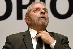 Lula é denunciado em suposto caso de propina -   OMinistério Público Federalapresentou à Justiça nesta segunda-feira (10) nova denúncia contra o ex-presidenteLuiz Inácio Lula da Silva. Além dele, também foram denunciados o empresário Marcelo Odbrecht e outras nove pessoas.  Além da denúncia desta segunda, Lula é réu em dois process - http://acontecebotucatu.com.br/politica/lula-e-denunciado-em-suposto-caso-de-propina/