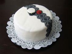 Ylioppilaskakku - Kiitos Salla! #mitätahansaleivotkin #leivojakoristele #droetker #kakku #koristelu #leivonta #kilpailu