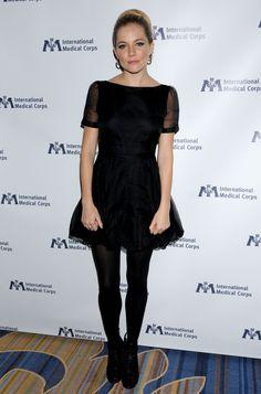 Sienna Miller - Hot in Black Dress at International Medical Corps Awards-05.jpg (2550×3860)
