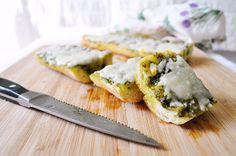 PAN CON PESTO Y MOZZARELLA (Pesto Bread) #recetas #recipes