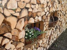 made by sannshine - Wooden wall decorated with Flowers