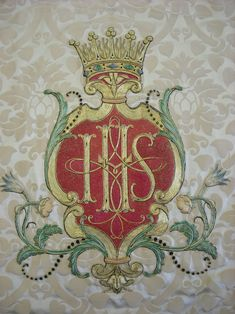 Royal School of Needlework in action. Incredible. The frontal is quite plain, cream Damask with a central embroidered motif