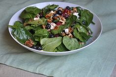 Fig, berry, goat cheese and spinach salad