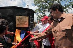 LA VOZ DE SAN JOAQUIN: Presidente Maduro: En nombre de Chávez la Revoluci...