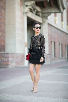 Textures :: Noir lace & Soft feathers : Wendy's Lookbook