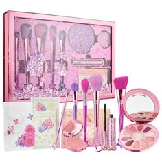 Shop tarte's Love, Trust & Fairy Dust Vault at Sephora. An enormous, glittering vault of beauty essentials with fly-girl-squad flair. Makeup Kit For Kids, Kids Makeup, Cute Makeup, Crazy Makeup, Makeup Art, School Christmas Gifts, Christmas Gifts For Teen Girls, Unicorn Makeup, Mermaid Makeup