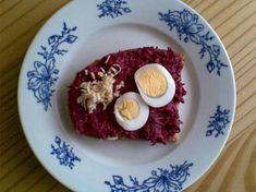 Křenová pomazánka z červené řepy Eggs, Pudding, Breakfast, Desserts, Food, Morning Coffee, Tailgate Desserts, Deserts, Custard Pudding