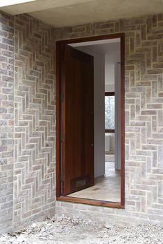 Chatfield House — Pierre d'Avoine Architects Brick Masonry, Brick Facade, Facade House, Brick Wall, Brick Architecture, Minimalist Architecture, Architecture Details, Modern Exterior, Exterior Design