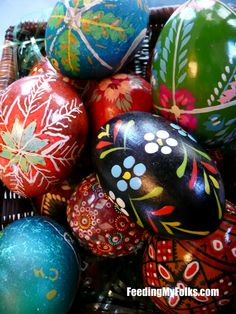 A little family story about our Ukrainian Easter Eggs! Ukrainian Easter Eggs, Easter Crafts, Easter Ideas, Egg Art, Egg Decorating, Holidays And Events, Holiday Decor, Holiday Ideas, Crafty