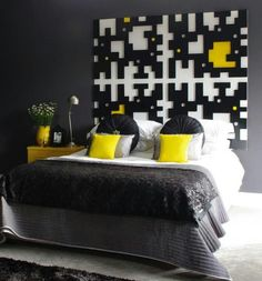 Black White Yellow Accents Color Theme