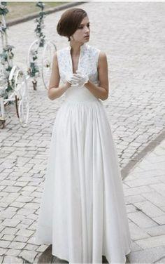 Traditional A-line Sleeveless Satin Floor-length Straps Prom Dresses