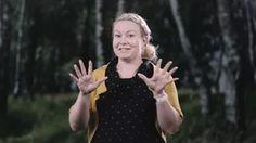 Kuulun kouluttajat esittelyssä. Jonna Muurinen videolla esittelee itsensä.
