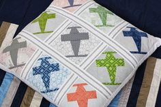 Love the little plane cushion from Sarah Quilts
