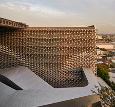 Emerson College in Los Angeles, California, by Thom Mayne - Morphosis Architects