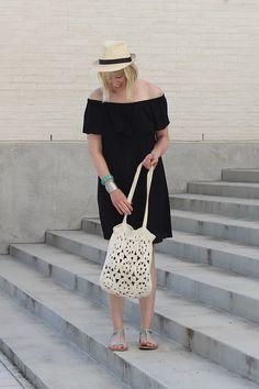 Black off shoulder dress // Summer outfit // Kotisaari