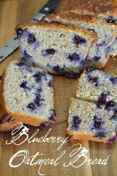 Blueberry Oatmeal Bread Made With Plain 0% Chobani Greek Yogurt Yummy Treats, Delicious Desserts, Sweet Treats, Yummy Food, Blueberry Oatmeal Bread, Oatmeal Cake, Banana Nut, Breakfast Recipes, Dessert Recipes