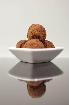Uvažujete nad zdravou alternativou vánočního cukroví, nebo si jen chcete připravit energetickou chuťovku, která Vám dodá síly správným složením v předvánočním čase? Zkuste tyhle RAW truffes, třeba …