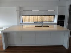 East Kew - 2 pack kitchen with Caesarstone bench top.
