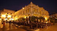 La cara bonita de Colombia: Plaza de San Pedro en Cartagena de Indias.