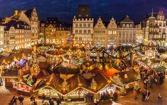 Начиная с конца ноября в Германии почти не ходят в бары — основное веселье переносится на рынки, где люди встречаются и хорошо проводят время!