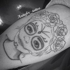 #tatuando ... En proceso ... Primeras líneas (niña Catrina) . En unos días el resultado final 😋😉  #Anitafer en #Málaga 680217934 (Whatsapp)    #Tattoo #tatuaje #ink #draw #dibujo #diseño #detalles #art #arte #megusta #enproceso #españa #catrina #niña #rosas #negro #color