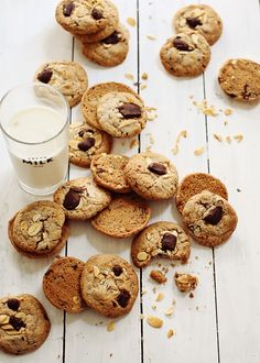 Chocolate Chunk Almond Cookies   Foodess