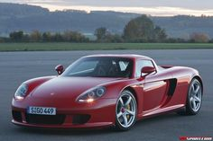 Porsche Carrera GT | Road Test: Porsche Carrera GT.  The front ain't bad neither