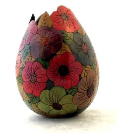 Gourds and Gourd Art are a unique and unusual gift. Wood Burning Patterns, Wood Burning Art, Hawaiian Crafts, Gourds Birdhouse, Decorative Gourds, Sculptures Céramiques, Painted Gourds, Diy Art Projects, Gourd Art