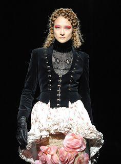 Elizabethan Inspired