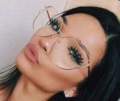 #oculosdegraurosametal Metal, Round Glass, Glasses, Fashion, Round Faces, Girl Glasses, Glasses Frames, Moda, Eyeglasses