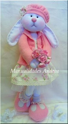 1 million+ Stunning Free Images to Use Anywhere Sewing Stuffed Animals, Stuffed Toys Patterns, Doll Clothes Patterns, Doll Patterns, Felt Dolls, Doll Toys, Felt Crafts, Easter Crafts, Handmade Toys