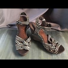 Sam Edelman Wedge • Price Offers Accepted ✨ zebra print one of a kind Sam Edelman wedge Sam Edelman Shoes Wedges