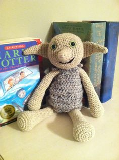 Stuffed Dobby For Harry Potter Themed Nursery. I don't even like Harry Potter but this Dobby is so cute 😍 Baby Harry Potter, Harry Potter Nursery, Theme Harry Potter, Crochet Animals, Crochet Toys, Stuffed Animals, Nursery Themes, Themed Nursery, Nursery Ideas