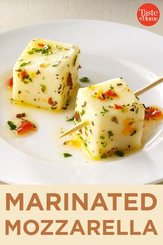 Marinated Mozzarella - - I always come home with an empty container when I bring this dish to a party. It can be made ahead to free up time later. I serve it with pretty frilled toothpicks for a festive look. Lunch Snacks, Clean Eating Snacks, Healthy Snacks, Healthy Recipes, Finger Food Appetizers, Yummy Appetizers, Appetizers For Party, Appetizers On A Toothpick, Finger Foods For Party