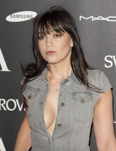 Daisy Lowe - Alexander McQueen Savage Beauty : Global Celebrtities (F) FunFunky.com