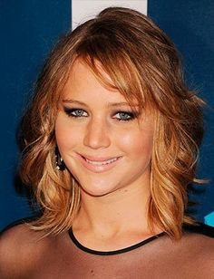 jennifer lawrence shows off new haircut and honey. Black Bedroom Furniture Sets. Home Design Ideas