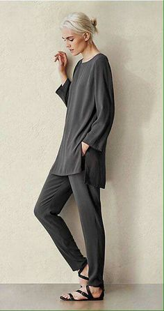 Our favorite fall/winter looks & styles for women eileen fisher eileen Look Fashion, Trendy Fashion, Womens Fashion, Fashion 2017, Ladies Fashion, Mode Style, Style Me, Trendy Style, Look Boho