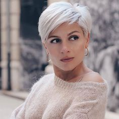 25 Coolest Pixie Haircut Both For Curly Hair And Straight Hair - Hair Beauty Pixie Haircut For Thick Hair, Haircuts For Fine Hair, Round Face Haircuts, Short Pixie Haircuts, Short Hairstyles For Women, Straight Hairstyles, Haircut Short, Haircuts For Over 60, Pixie Haircut Styles