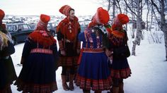 Saamelaisten kansallispäivä oli ensimmäistä kertaa almanakassa vuonna 2004. Suomessa asuu noin 7000 saamelaista.