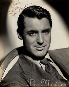 If you love george clooney, remember the first george clooney, Cary Grant. He was so funny, too. Old Hollywood Stars, Golden Age Of Hollywood, Classic Hollywood, Hollywood Icons, Gary Grant, Black And White Stars, Katharine Hepburn, Comedy Films, Joan Crawford
