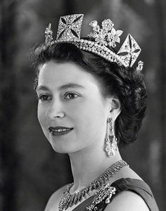 What a woman, what a Queen, what a jewellery box! Congratulations to our longest reigning monarch, Queen Elizabeth II. Royal Queen, Queen Mary, Princess Mary, Queen Queen, Queen And Prince Phillip, Prince Philip, Young Queen Elizabeth, Queens Tiaras, Eugenie Of York