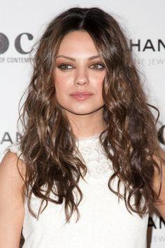Mila Kunis long, wavy hairstyle