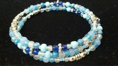 Blue beaded memory wire bracelet #beaded #blues