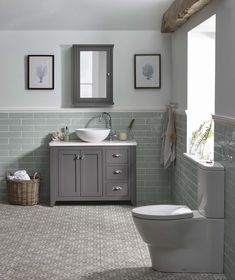 Metro Ideas azulejos del ba o Bad Inspiration, Bathroom Inspiration, Diy Bathroom Remodel, Bathroom Renovations, Basement Remodeling, Upstairs Bathrooms, Small Bathroom, Dyi Bathroom, Bathroom Ideas Uk
