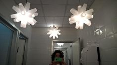 Sospensioni decenti in un bagno indecente :-) #lamp #design #lightdesign #illuminazione #bathroomselfie #followdesign
